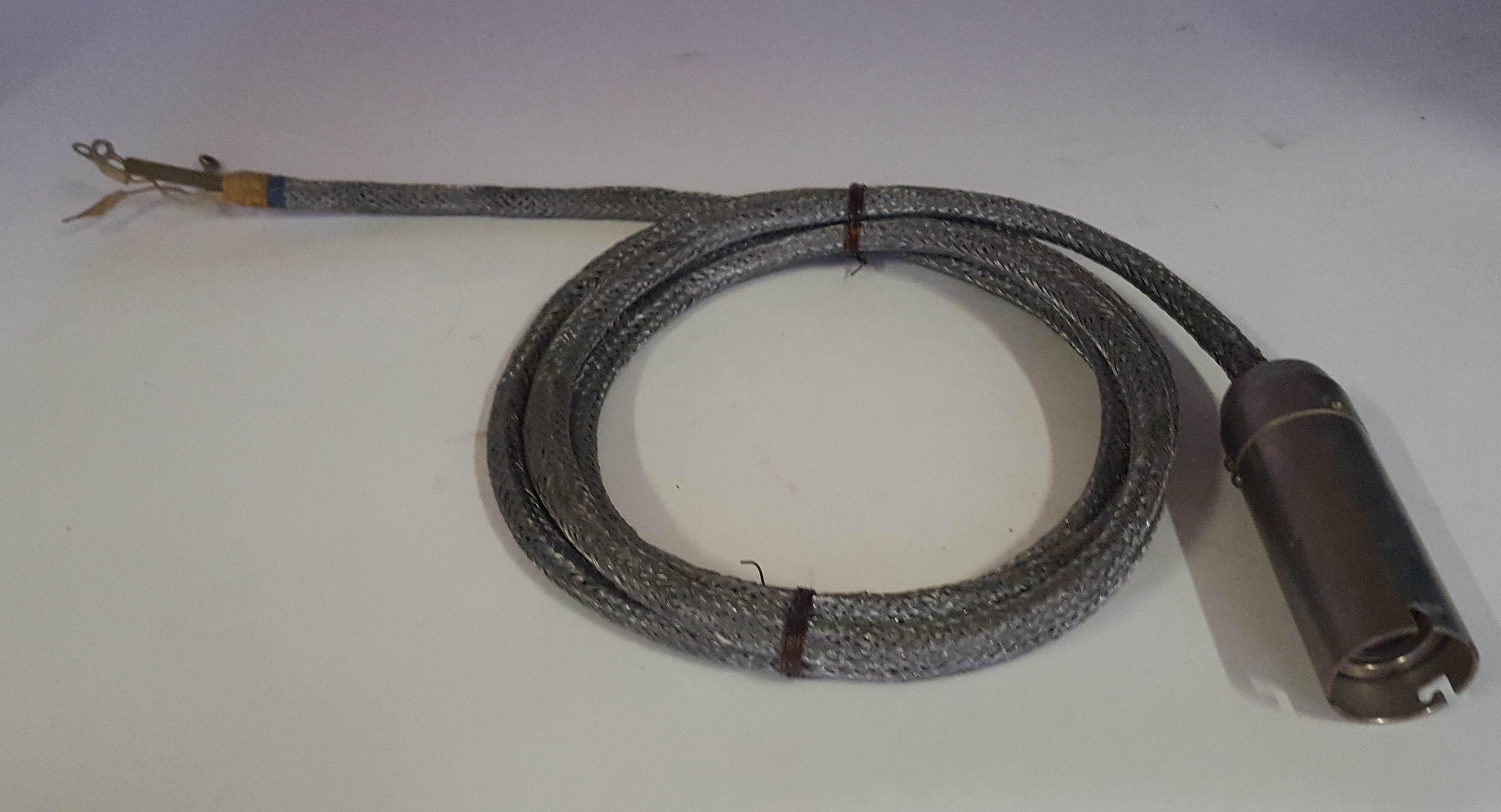 высоковольтный кабель к магниторазрядному насосу
